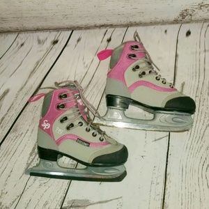 CCM LITTLE GIRLS FIGURE ICE SKATES 12J PINK GRAY